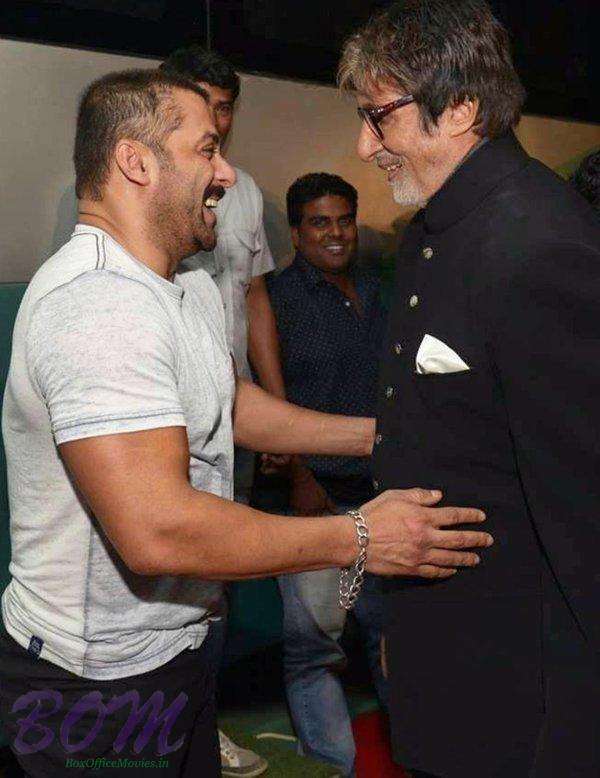A candid picture of Salman Khan with Amitabh Bachchan