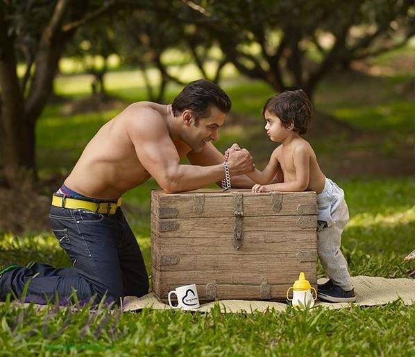A cute picture of Salman Khan with a cute kid