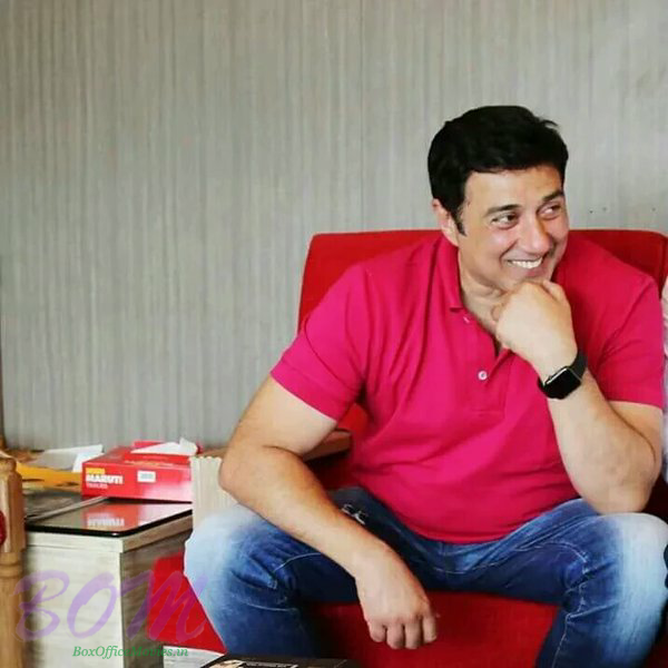 A dashing picture of Sunny Deol