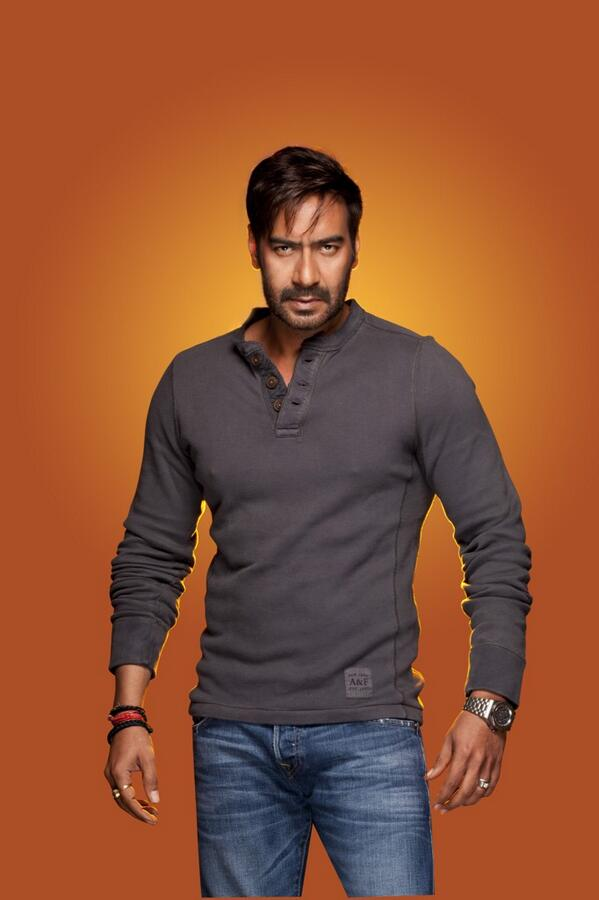 A glimpse of Ajay Devgn in Singham Returns.