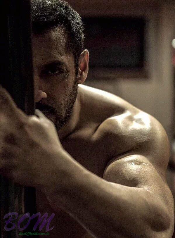 A half look pic of Salman Khan from Sultan movie