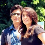 A lovely picture of Bollywood most beautiful romantic couple ever - Shahrukh and Kajol