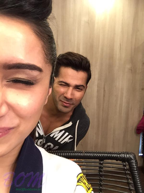 A quirky picture of Varun Dhawan and Shraddha Kapoor
