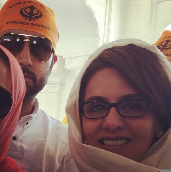 Abhishek Bachchan Spotted with Neetu Singh at Golden Temple