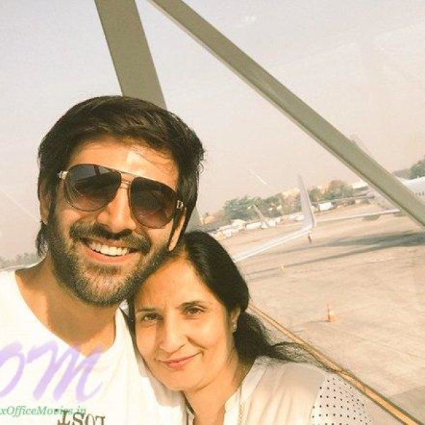 Actor Kartik Aaryan with his Mother