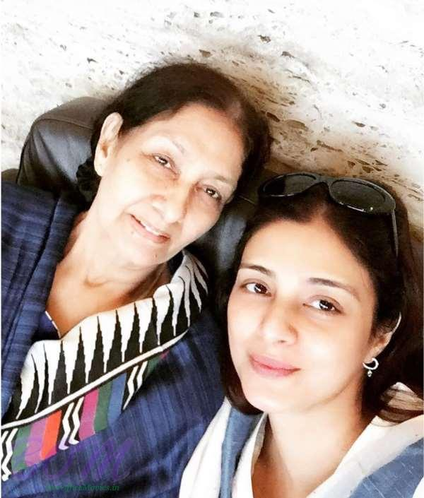 Actress Tabu selfie with her mother