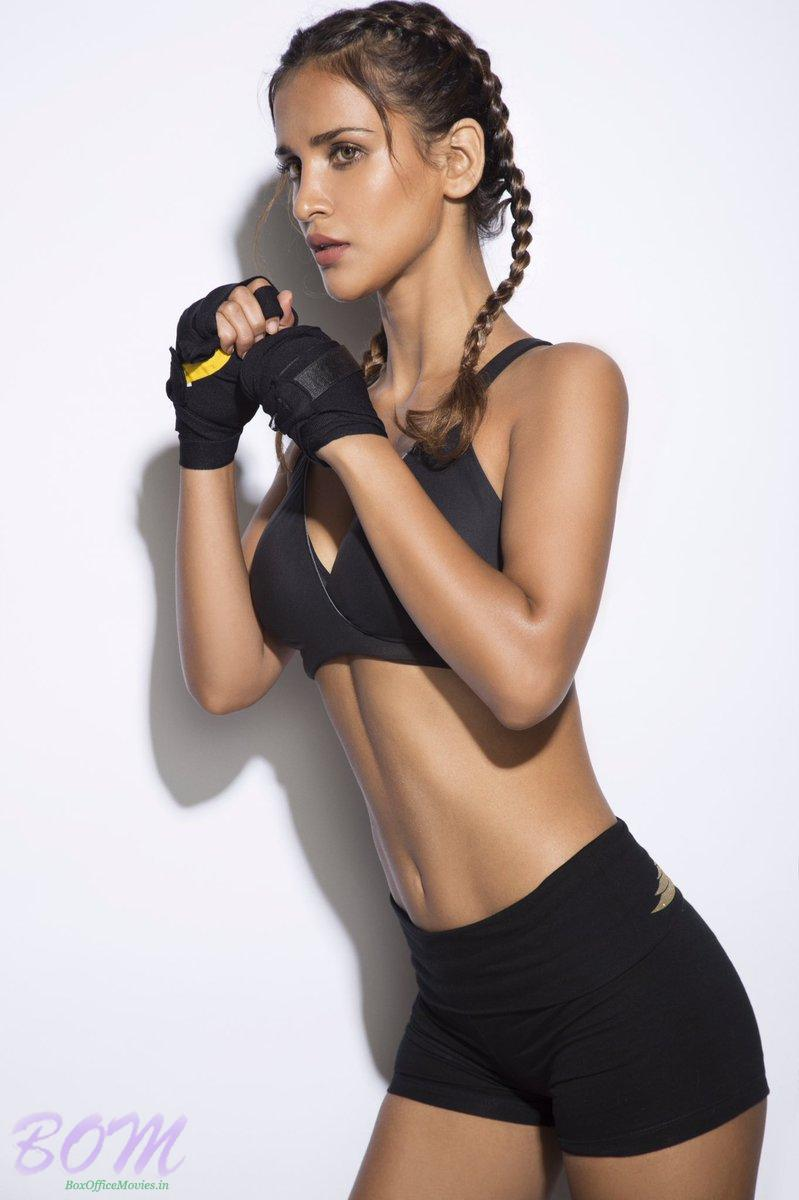 Aisha Sharma fitness picture by Rahul Jhangiani