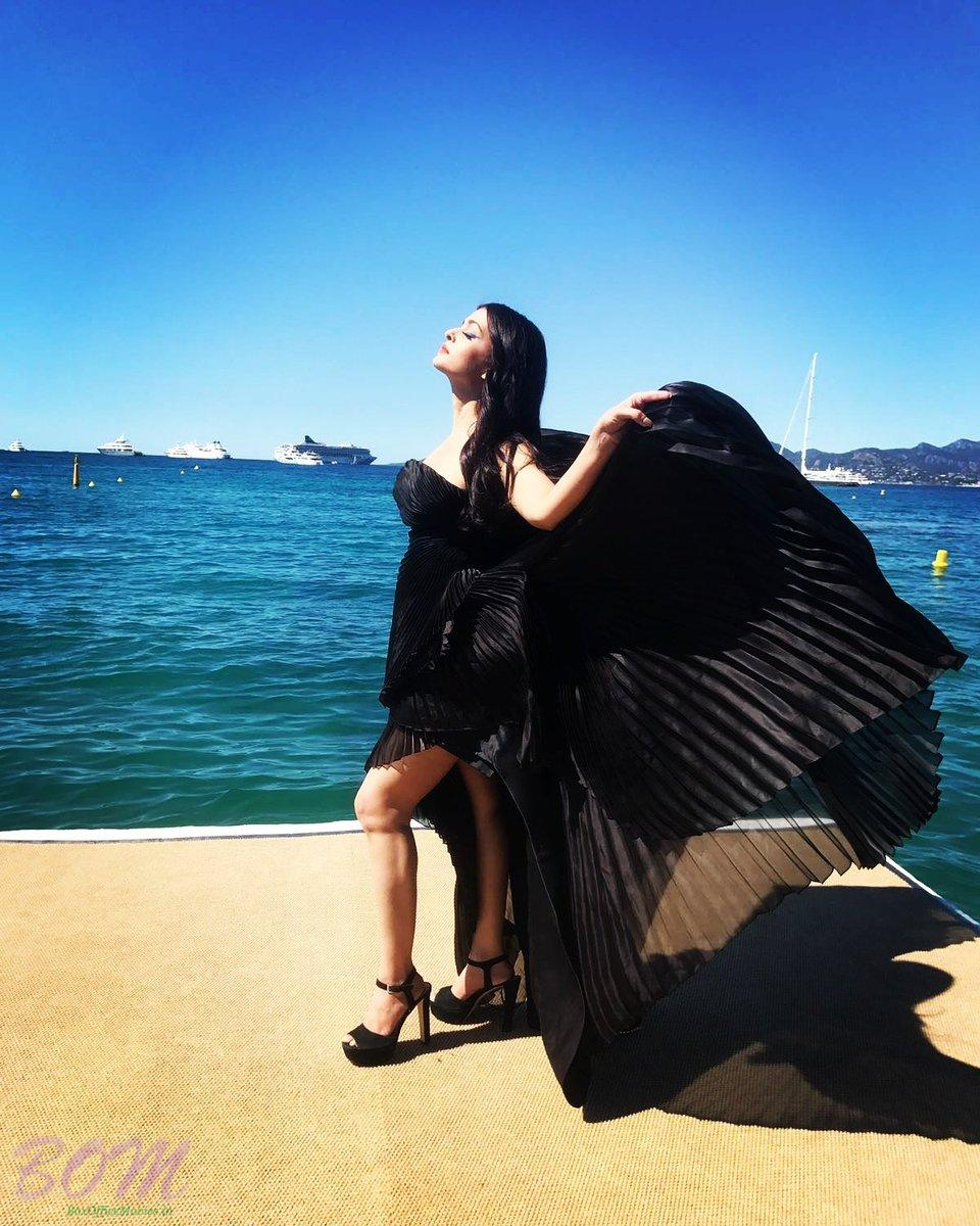 Aishwarya Rai Bachchan Black Swan style pic from Cannes 2017