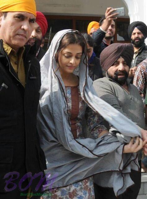 Aishwarya Rai Bachchan shoots at the Golden Temple for Sarbjit movie