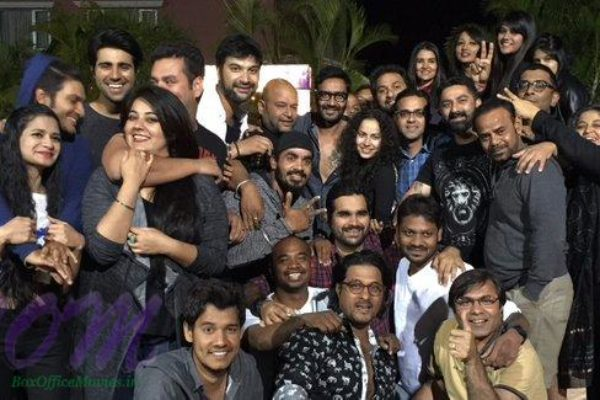 Ajay Devgn and team on Shivaay 1 schedule wrap