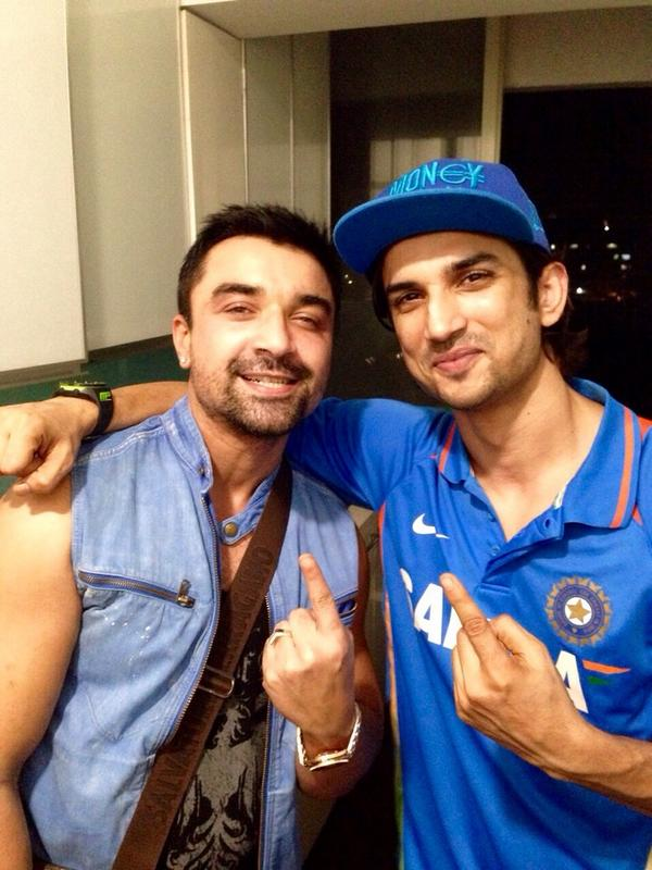 Ajaz Khan picture with Sushant Singh Rajput after party at his home