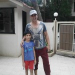 Akshay kumar with a little kid player at Juhu