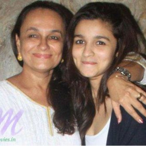 Alia Bhatt with her Mother