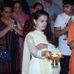 Ameesha Patel‏ is looking gorgeous in this white attire on Ganesh Chaturthi 2017