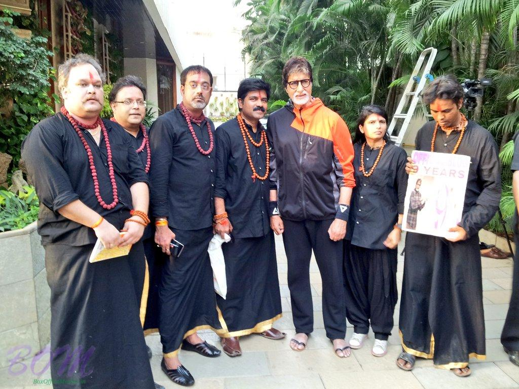 Amitabh Bachchan and his Sarkar 3 team members