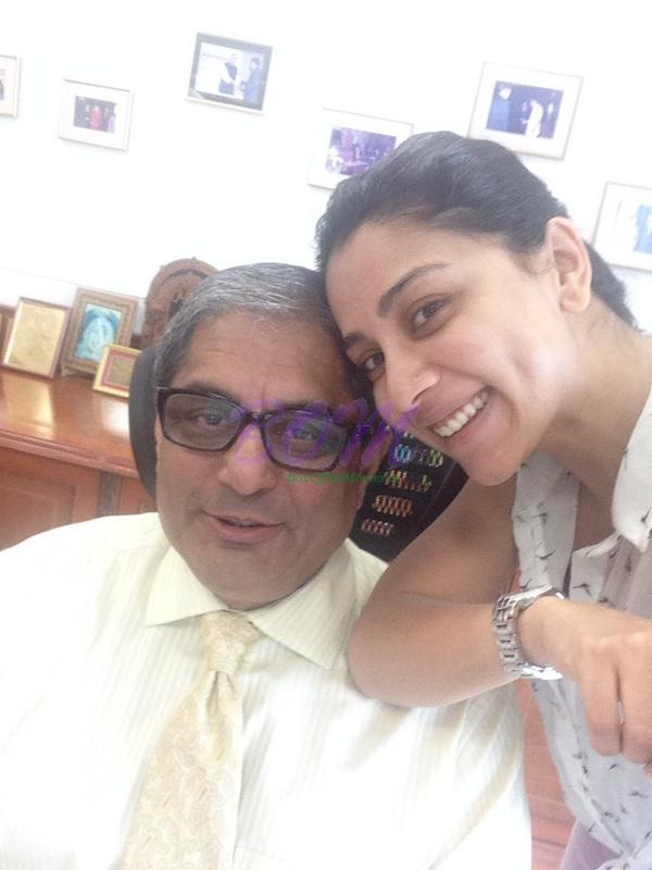 Amrita Puri with her Dad - Family Pic