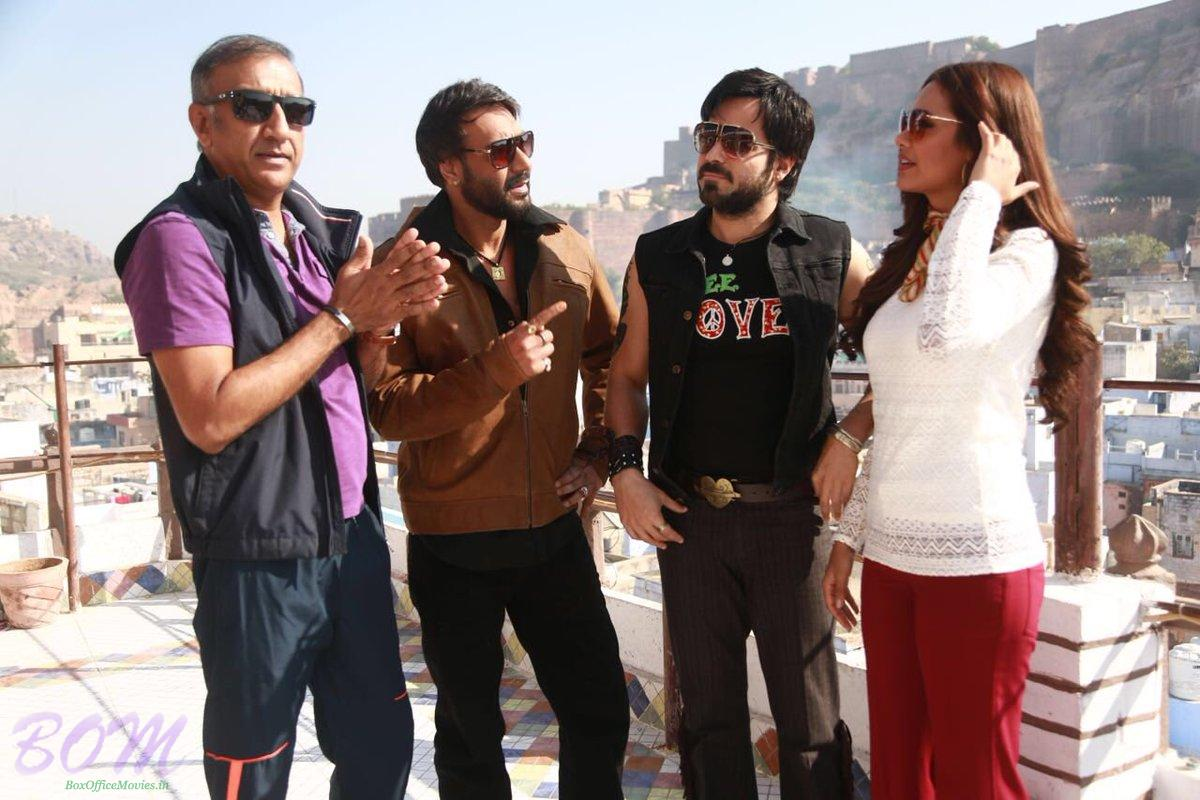 An interesting picture of Baadshaho stars Ajay Devgn and Emraan Hashmi