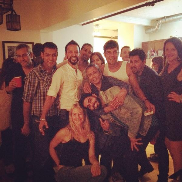 An interesting picture of Randeep Hooda with Ali Kazmi, Steve Dhillon, Gery Gabe, Alimomen, Gia Sandhu, Sarah Allen, Deepa Mehta and other friends