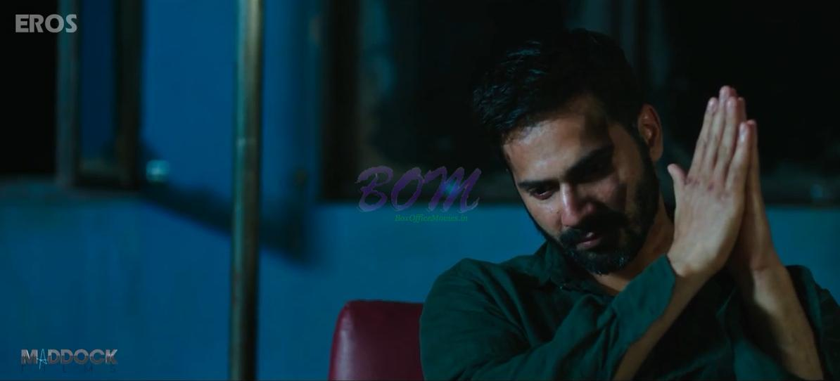 Another killing style of Varun Dhawan in Badlapur movie