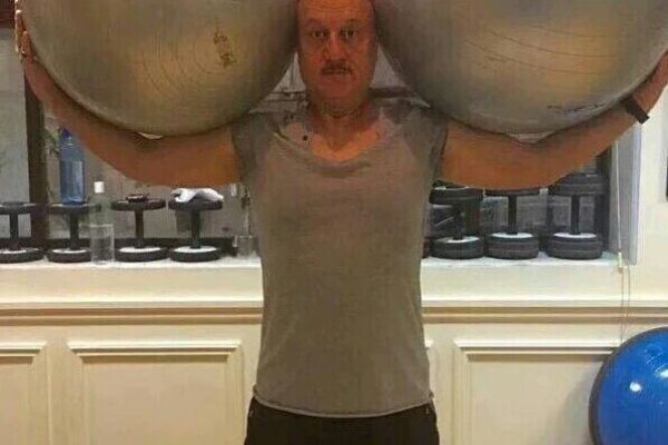 Anupam Kher doing hardcore exercise in GYM