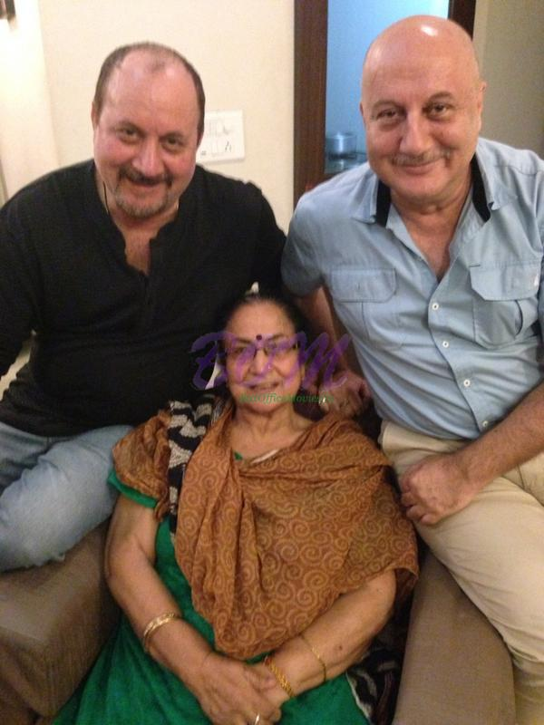Anupam Kher with Brother Raju Kher and their Mother