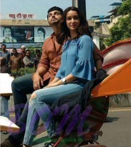 Arjun Kapoor rickshaw ride in Varanasi with Half Girlfriend Shraddha Kapoor