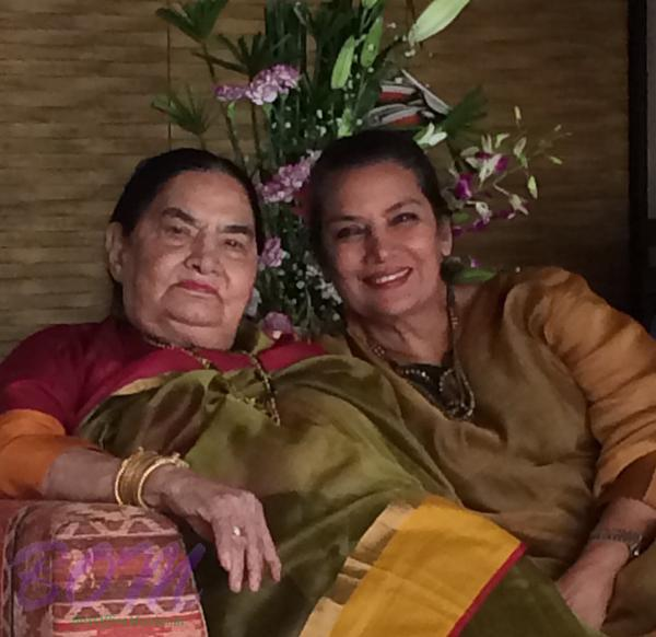 Azmi Shabana with mother on her birthday in 2015