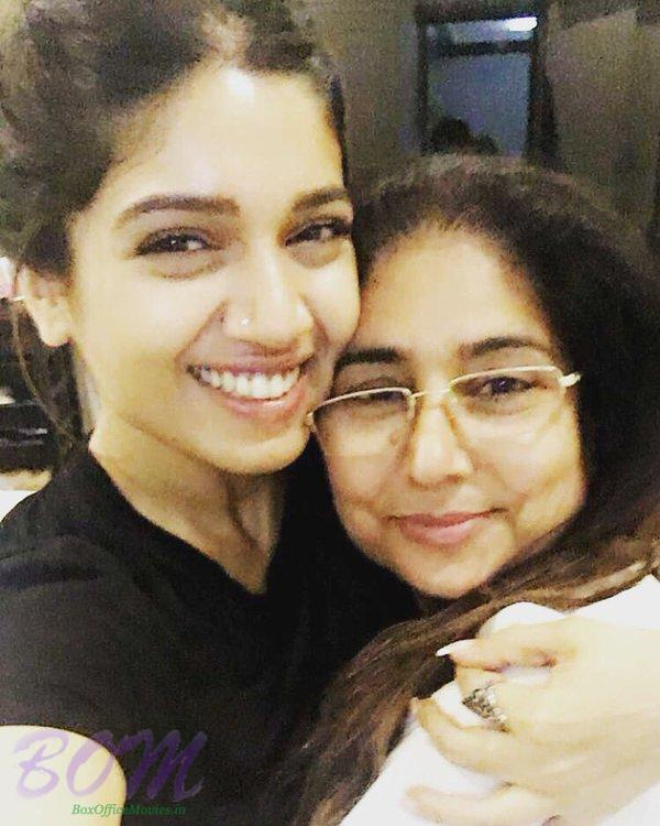 Bhumi Pednekar selfie with her mother