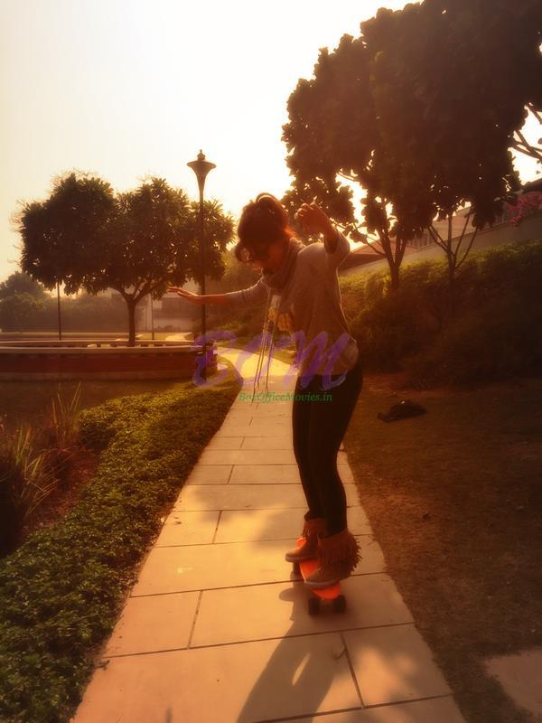 Chitrangda Singh spend this lovely morning learning skateboarding