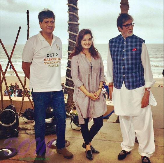 Dia Mirza and Amitabh Bachchan on Swachh Bharat day on 2 Oct 2016