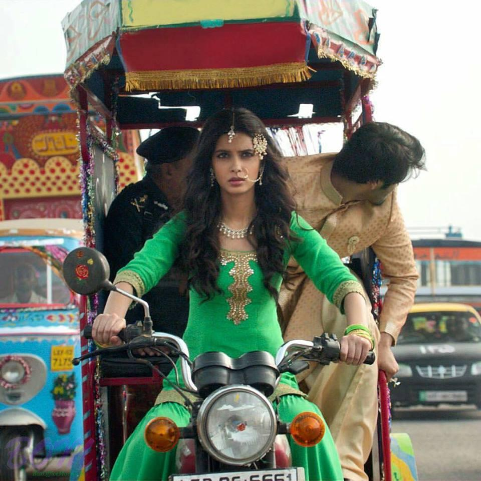 Diana Penty first look in upcoming movie Happy Bhag Jayegi