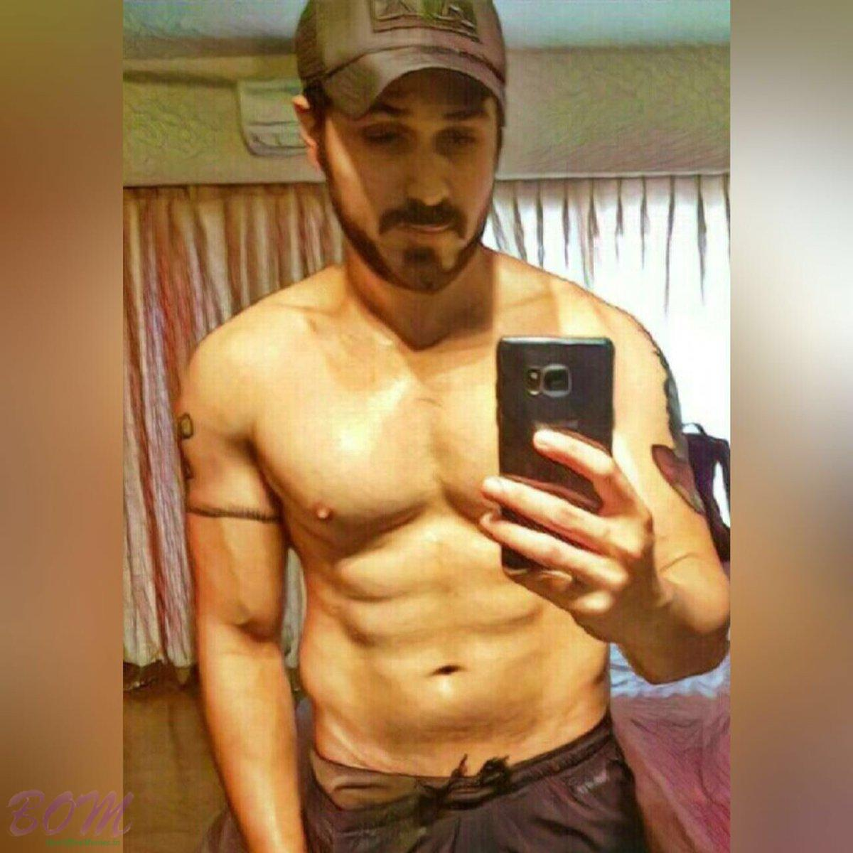Fit Emraan Hashmi selfie when ready for Baadshaho shoot