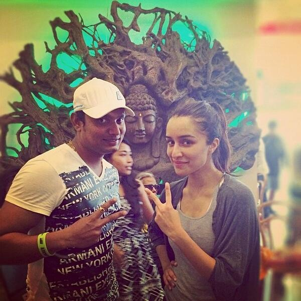 Exclusive picture - Shraddha Kapoor snapped on the sets of ABCD 2