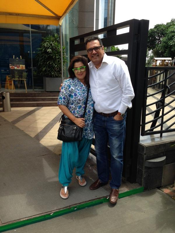 Farah Khan shared this picture with Jolly statement 'Boman Irani v hav to stop meeting like this. What will people say'