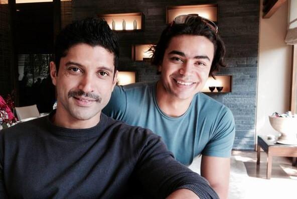 Farhan Akhtar latest mousche style picture with Shiva Keshavan, India's only Winter Olympic Athlete at the cokezero launch.