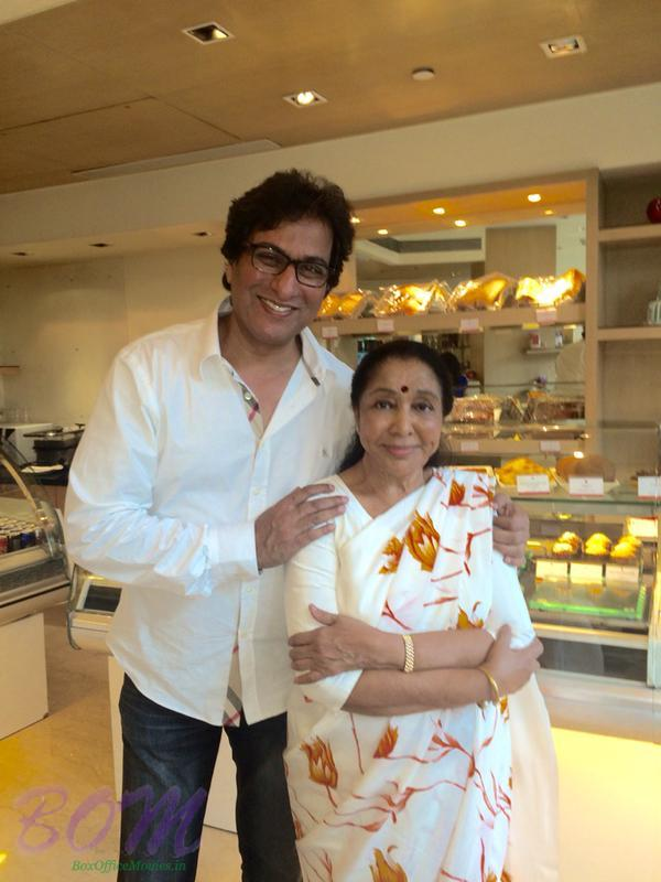 Great Talat Aziz with Asha Bhosle ji