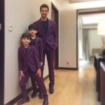 Hrithik Roshan and kids all dressed up in same color for IAAA awards last night