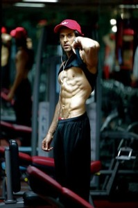 Hrithik Roshan flaunts his Chiseled Physique during a workout photos session