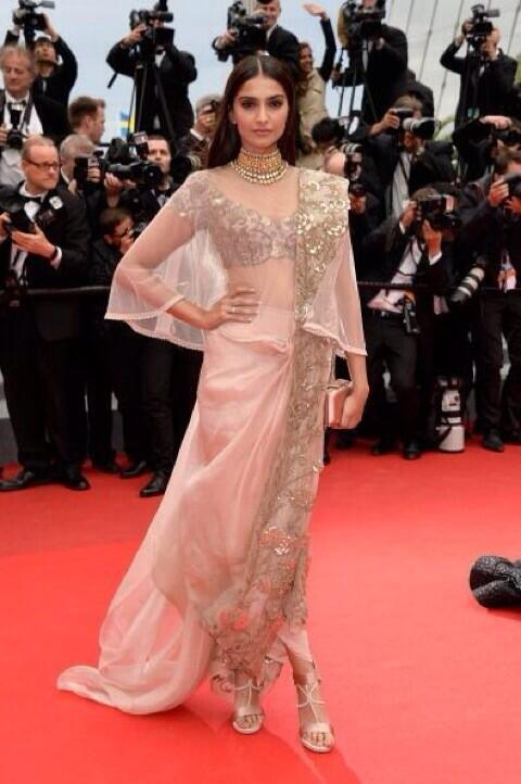 If u thought she couldn't do better,think again!Taking fusion to a new leve at cannes - Sonam Kapoor