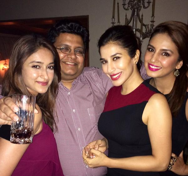 In Pictute Tanuj Garg with party angels Ileana D'cruz, Huma Qureshi and Sophie Chodhary
