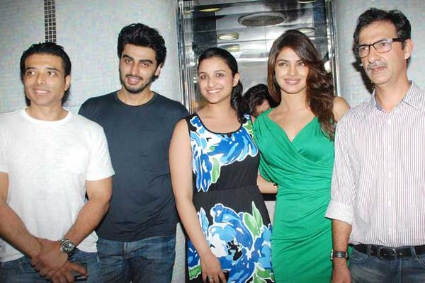 In this picture - Priyanka Chopra, Parineeti Chopra, Arjun Kapoor and Uday Chopra