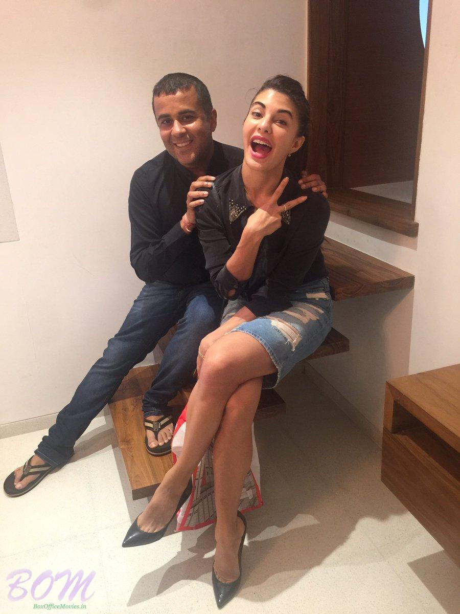 When Jacqueline Fernandez meet Chetan Bhagat at his office