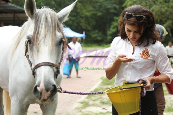 Jacqueline Fernandez picture from ROY movie with hoarse