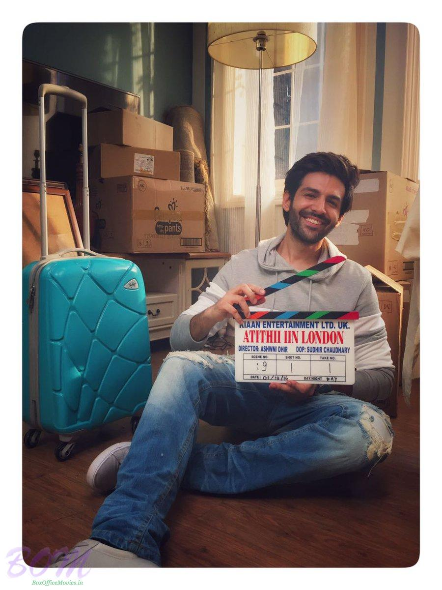 Kartik Aaryan picture with the clipper of Atithi in London movie