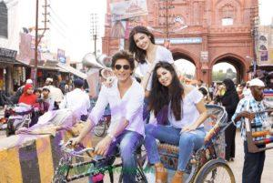 Katrina Kaif and Anushka Sharma taking a rickshaw ride with driver Shahrukh Khan