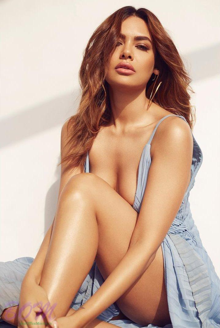Kill your Monday blues with this sizzling pic of Esha Gupta
