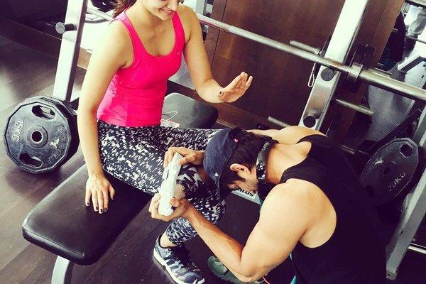 Kriti Sanon quirky pic with Sushant Singh Rajput