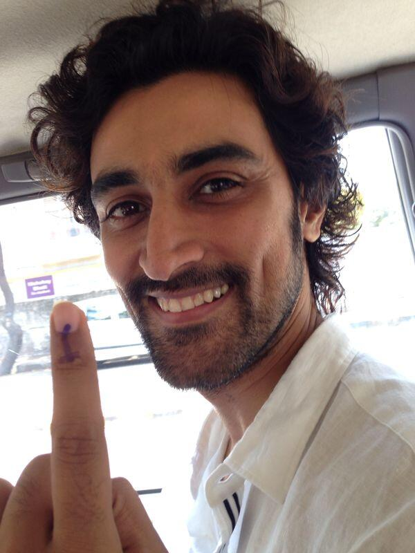 Kunal Kapoor ‏Voting Picture