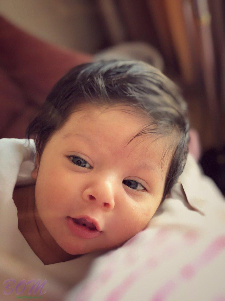 Kunal Kemmu‏ shared this pic of his daughter on her first children day