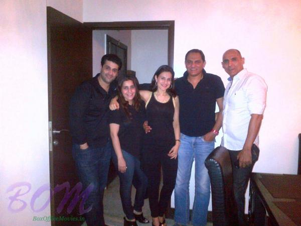 Kuunal Gooner with wife Shammli, Azhar, brother Bittu and Ameesha Patel